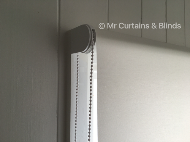 Translucent roller blind